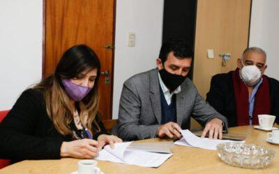 APOS firmó un convenio con el Ministerio de Educación por el servicio de docentes integradores
